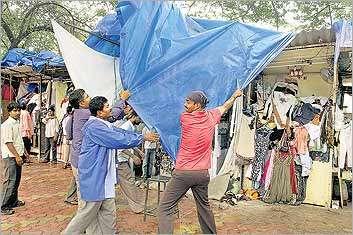 'Cleaning up Mumbai' a drive by BMC and Mumbai Police