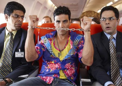 A still from <i>Tees Maar Khan</i>