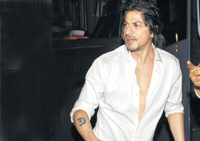 srk 39 s tattoo planetsrk shahrukh khan discussion forums