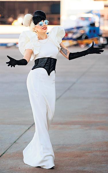Певица Леди Гага в аэропорту Сиднея, Австралия, 9.