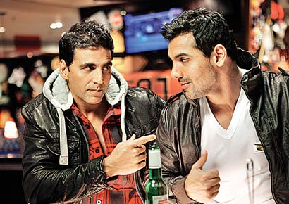 John Abraham and I are biker buddies :    Akshay Kumar, Actor