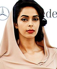 Slumdog millionaire actors dating dexter 4