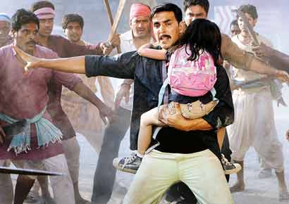 A scene from <i>Rowdy Rathore</i>