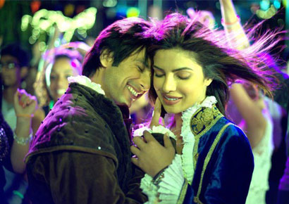 Shahid Kapoor and Priyanka Chopra attempt to create magic in <i>Teri Meri Kahaani</i>