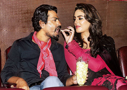 Nawazuddin Siddiqui Wife Picture And Images