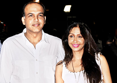 Ashutosh Gowariker accompanied by wife Sunita