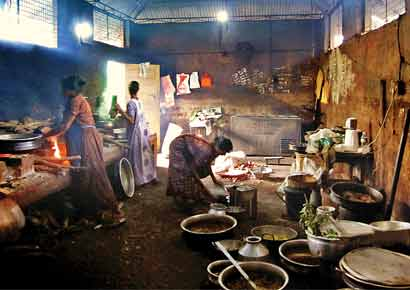 The kitchen at the Mullapandal kallu shap