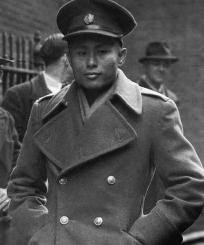General Aung San (1915 - 1947) arrives at Number 10 Downing Street to negotiate independence for Burma with the British government on January 13, 1947