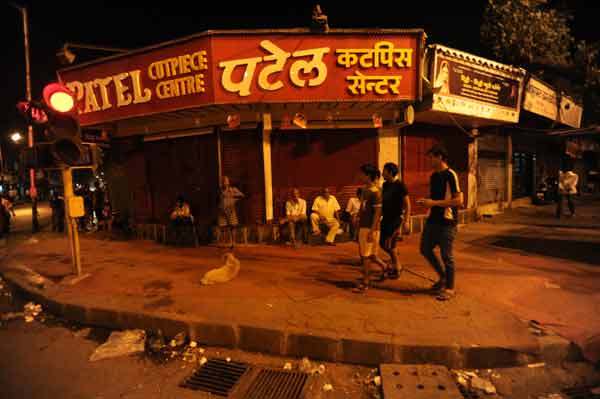 Stalls are kept closed, at Lalbaugh Naka after the passing away of Shiv Sena supremo Balasaheb Thackeray on Saturday