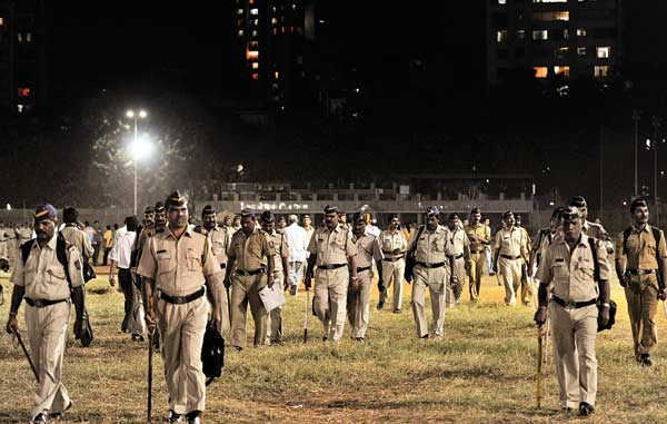 Police amp up the security at Shivaji Park at Dadar after Bal Thackeray's death. 