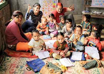 Vidya T helps teach the children of Sunargaon, Uttarakhand