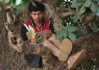 A still from the film <i>Balak Palak</i>