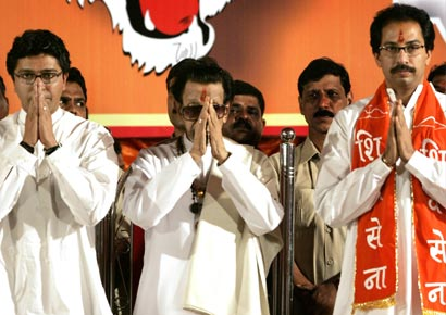 Raj Thackeray, Bal Thackeray, Uddhav Thackeray (L-R)