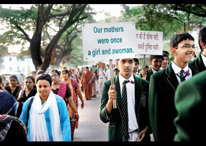 Earlier on Wednesday, students and teachers of Bishop Cottons Boys School organised a rally from their school to Town Hall to condole the death of the Delhi rape victim.