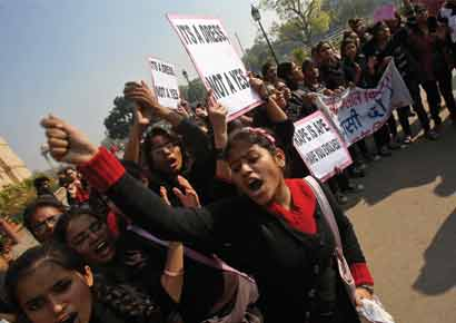 Protestors raise slogans against Delhi gang-rape
