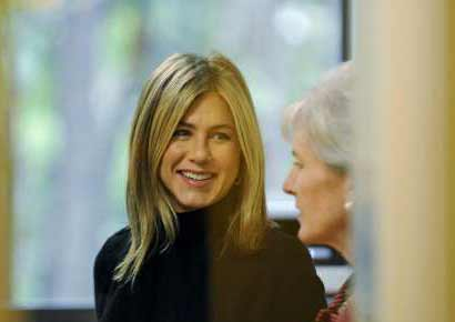 Jennifer Aniston practices Bikram Yoga