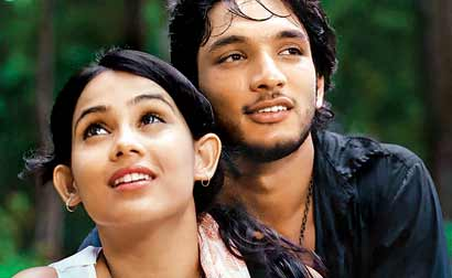 A still from the film <i>Kadal</i>