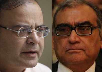 Markandeya Katju (R) and Arun Jaitley
