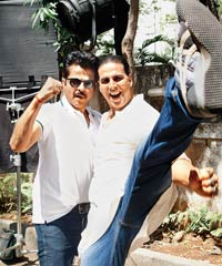 Akshay and Anil posed for pictures together at the re-union of sorts. On a parting note, the actors said,