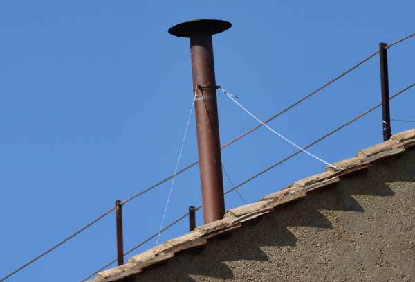 A picture of the chimney
