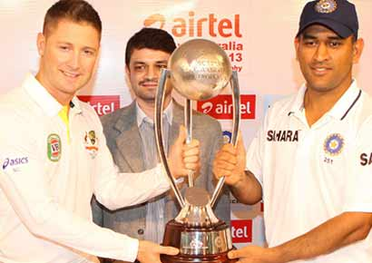 MS Dhoni and Michael Clarke