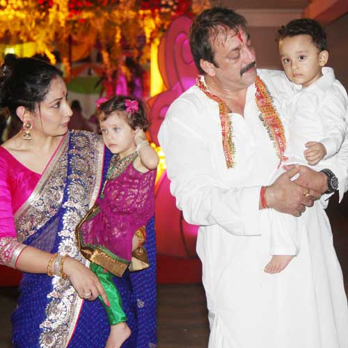 Sanjay Dutt with his family