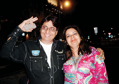 Vashu Bhagnani and his wife Pooja Bhagnani.