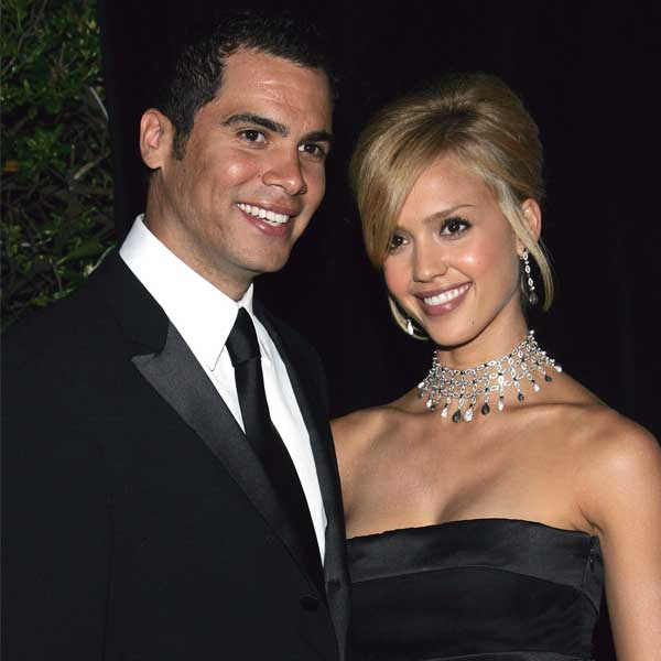 On fifth wedding anniversary Jessica Alba pays tribute to husband Cash Warren on Twitter
