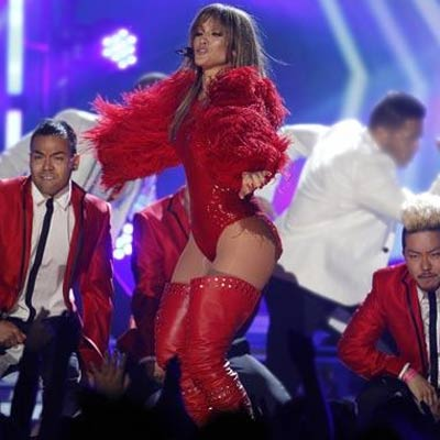 Jennifer Lopez, Madonna scorch at the Billboard Music Awards