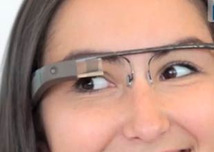 Google announces Facebook and Twitter apps for Google Glass