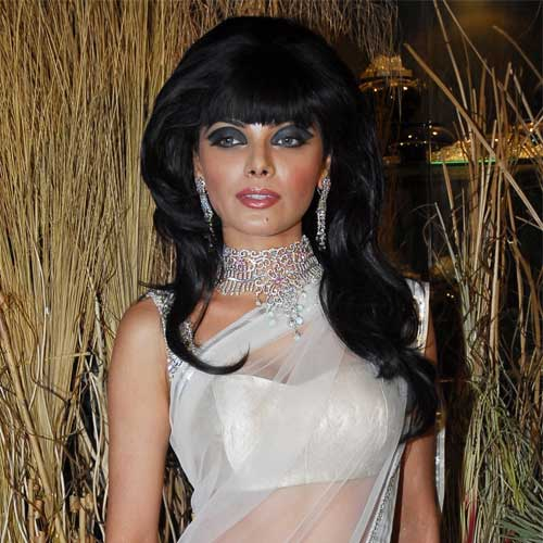 Sherlyn Chopra grooves in Indian attire at Cannes