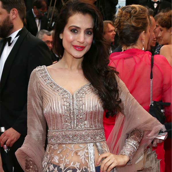 After Aishwary Rai-Bachchan, Vidya Balan, Ameesha Patel adds Bollywood tadka to red carpet at Cannes