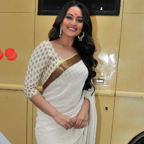 Sonakshi Sinha wears nine sarees in song from Lootera adds glamour to ethnic look