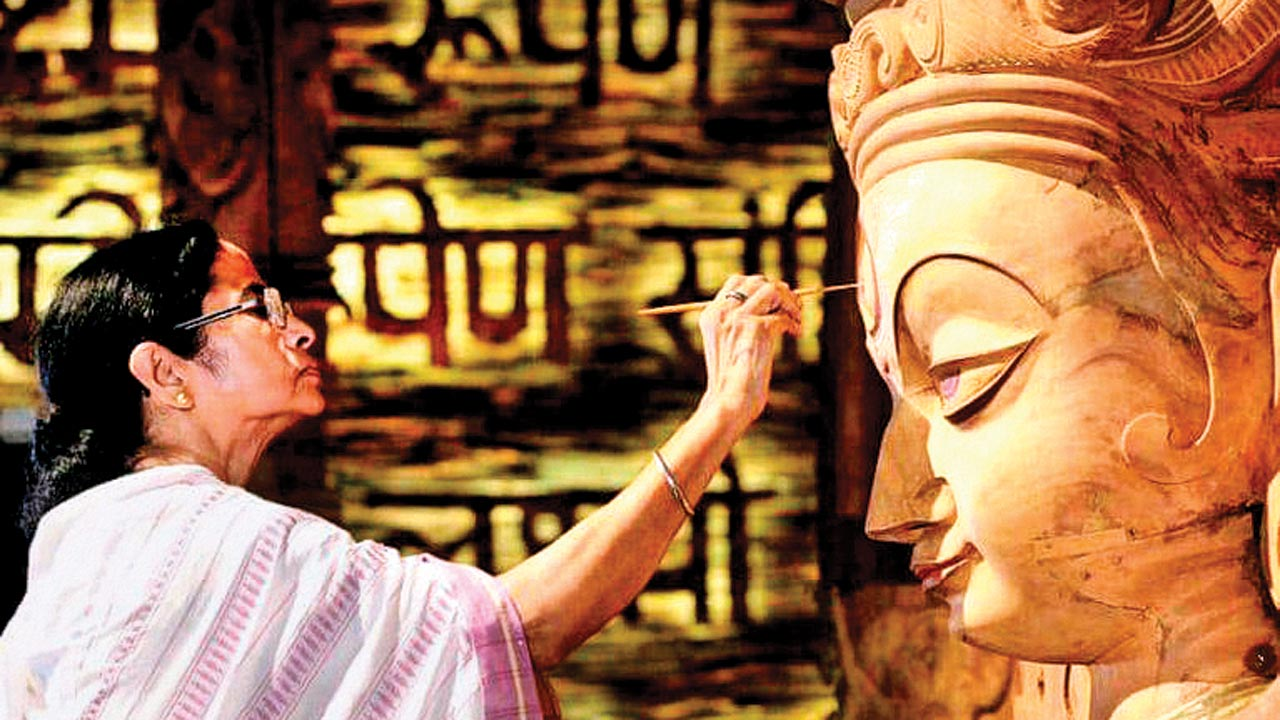 No court stay on Durga Puja doles, but Mamata Banerjee told to explain