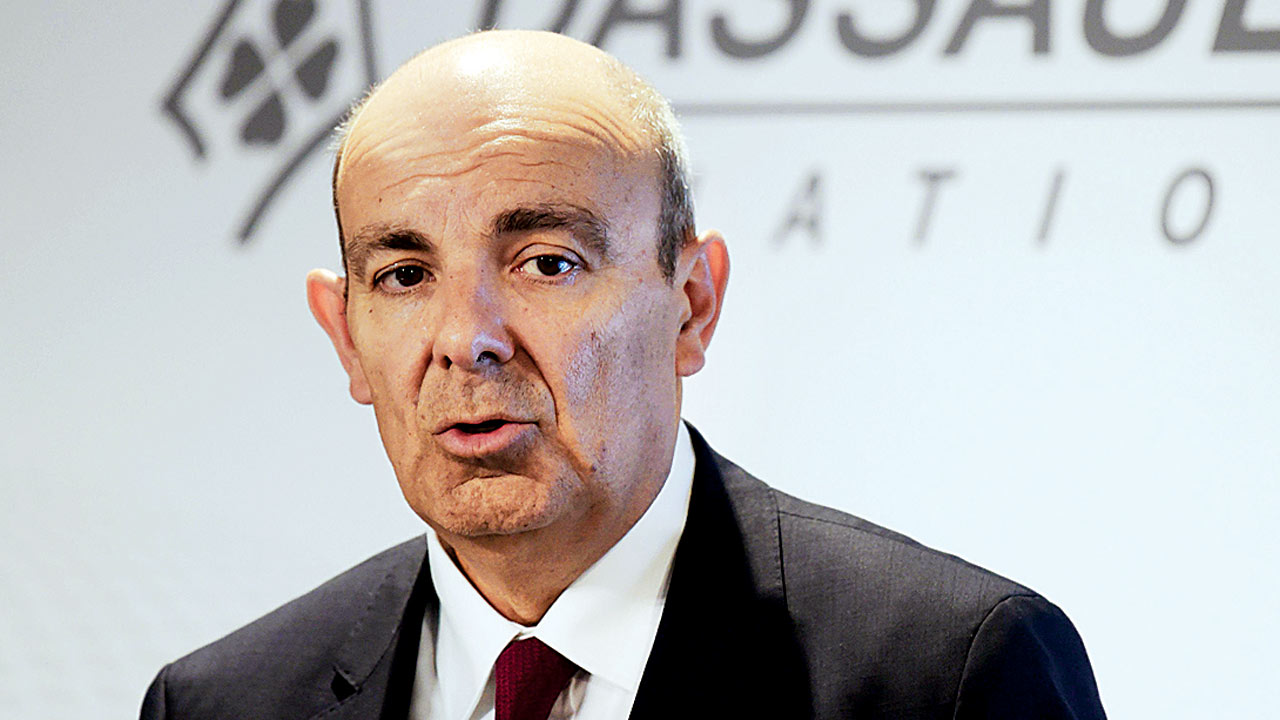 Opposition points out gaps in govt, Dassault's claims