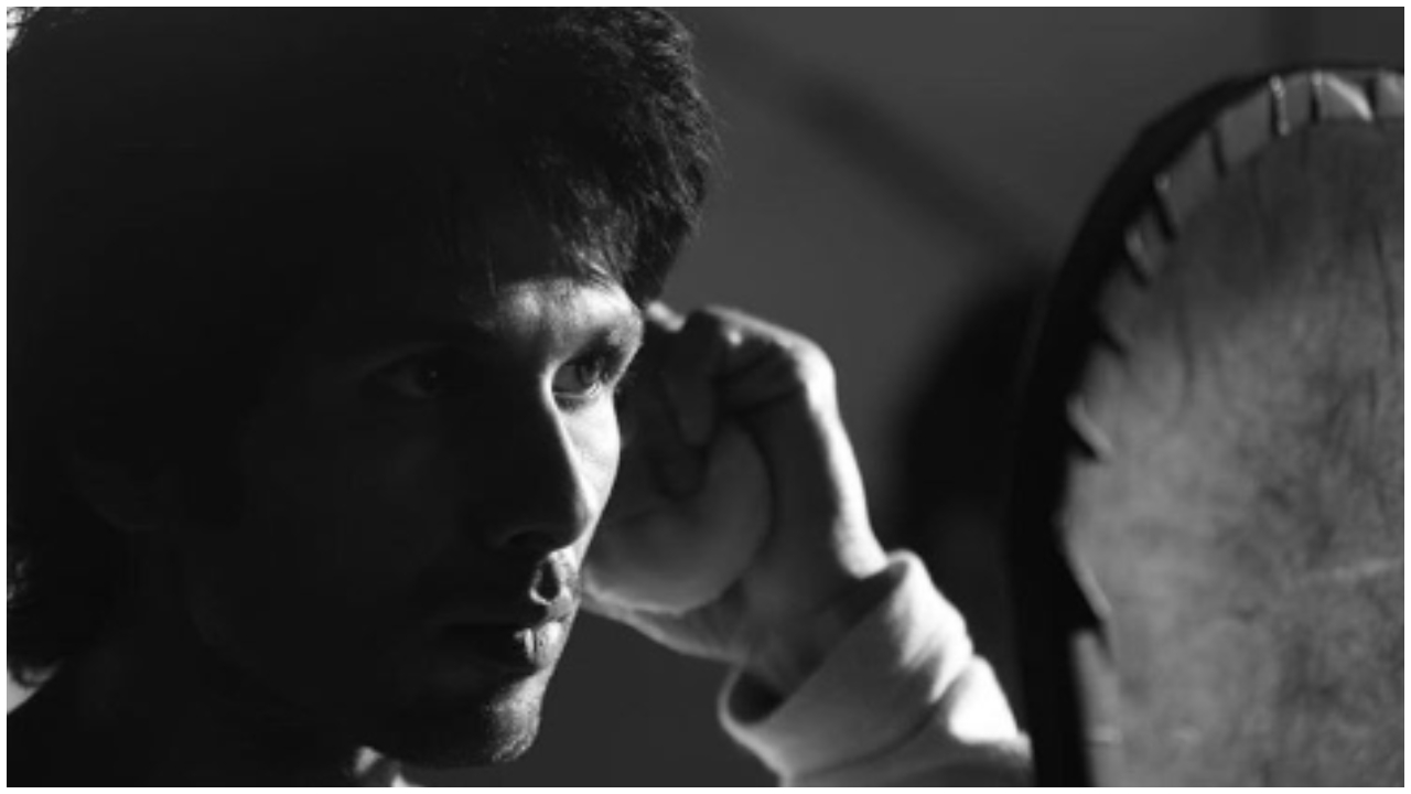 Shahid Kapoor shares first look from 'Kabir Singh'; appears 10 years younger!
