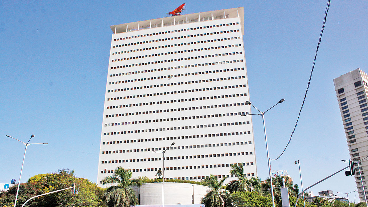 Cash-strapped Air India puts iconic tower at Nariman Point on the block