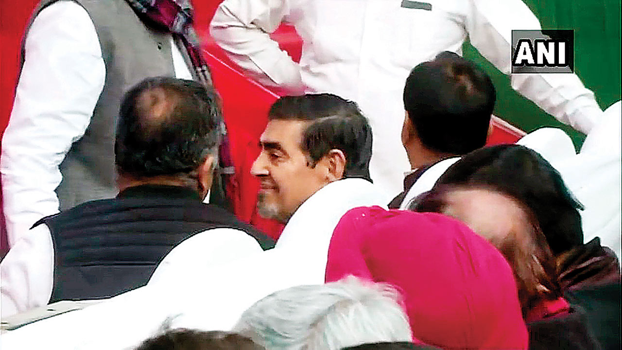 Jagdish Tytler in front row is salt on Sikh wounds: Shiromani Akali Dal