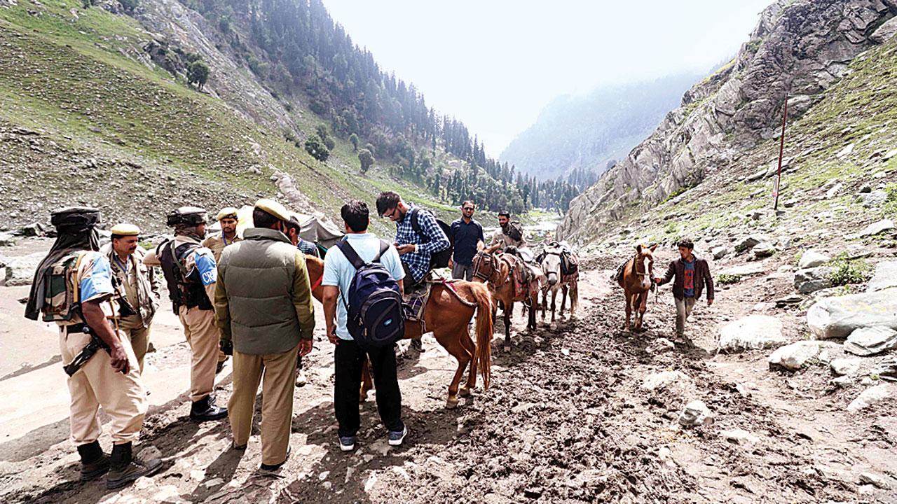 Safety concerns deter Kashmir visitors