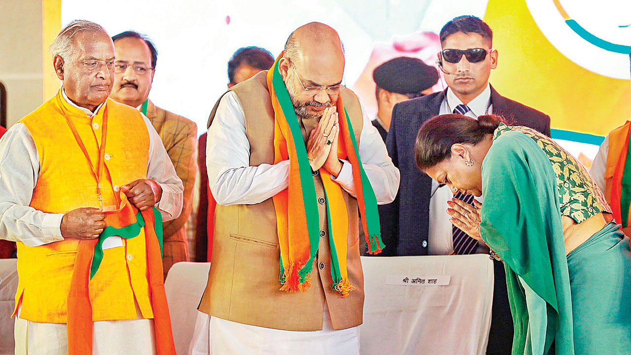 Amit Shah, Vasundhara Raje share stage in Rajasthan, call for worker unity