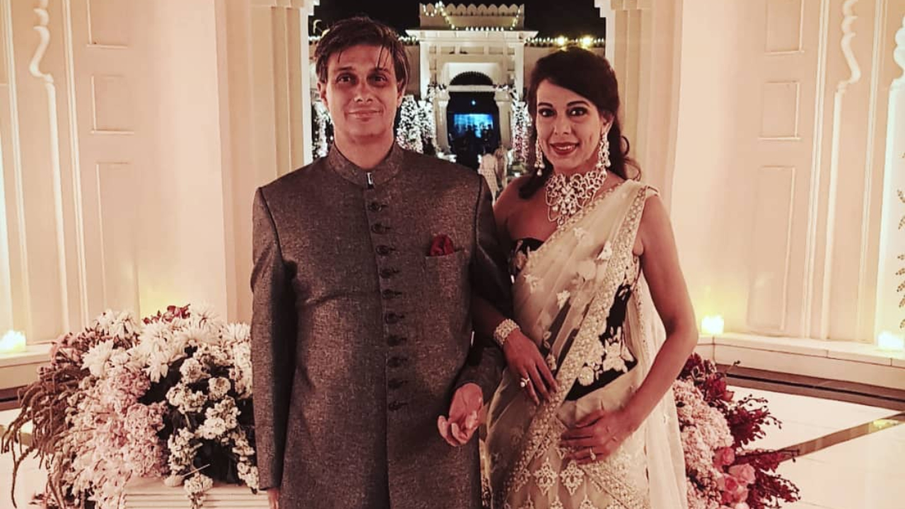 Pooja Bedi announces her engagement with beau Maneck Contractor