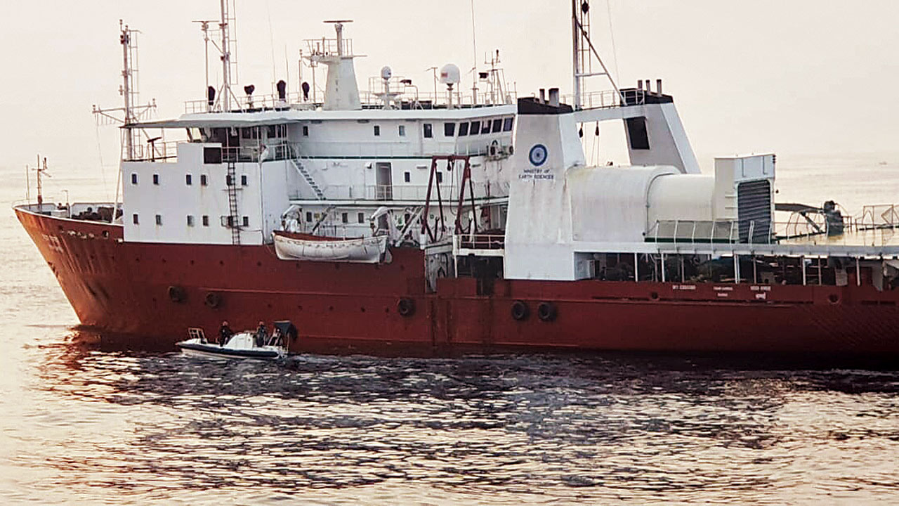 30 rescued from ocean research ship off Karnataka coast after fire