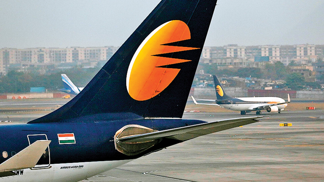 Jet Airways grounds four more planes, faces flyers' fury over cancellation, refund