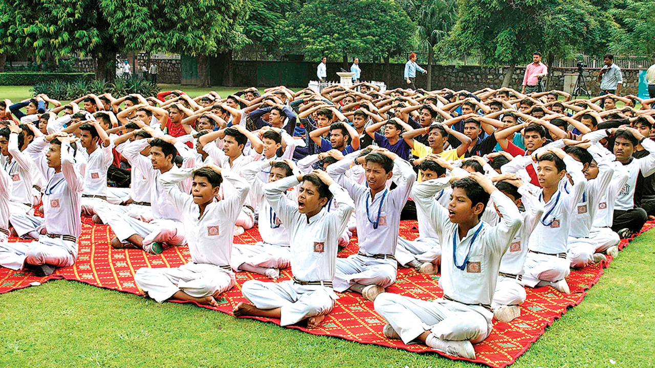 Schools give thumbs up to Artificial Intelligence, yoga from class 8, in a fix over educators