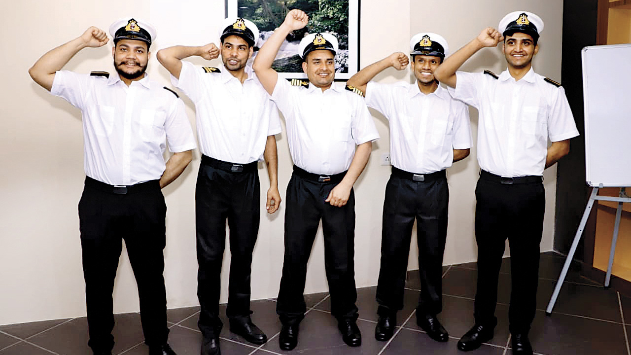 Five sailors back home after one year in jail
