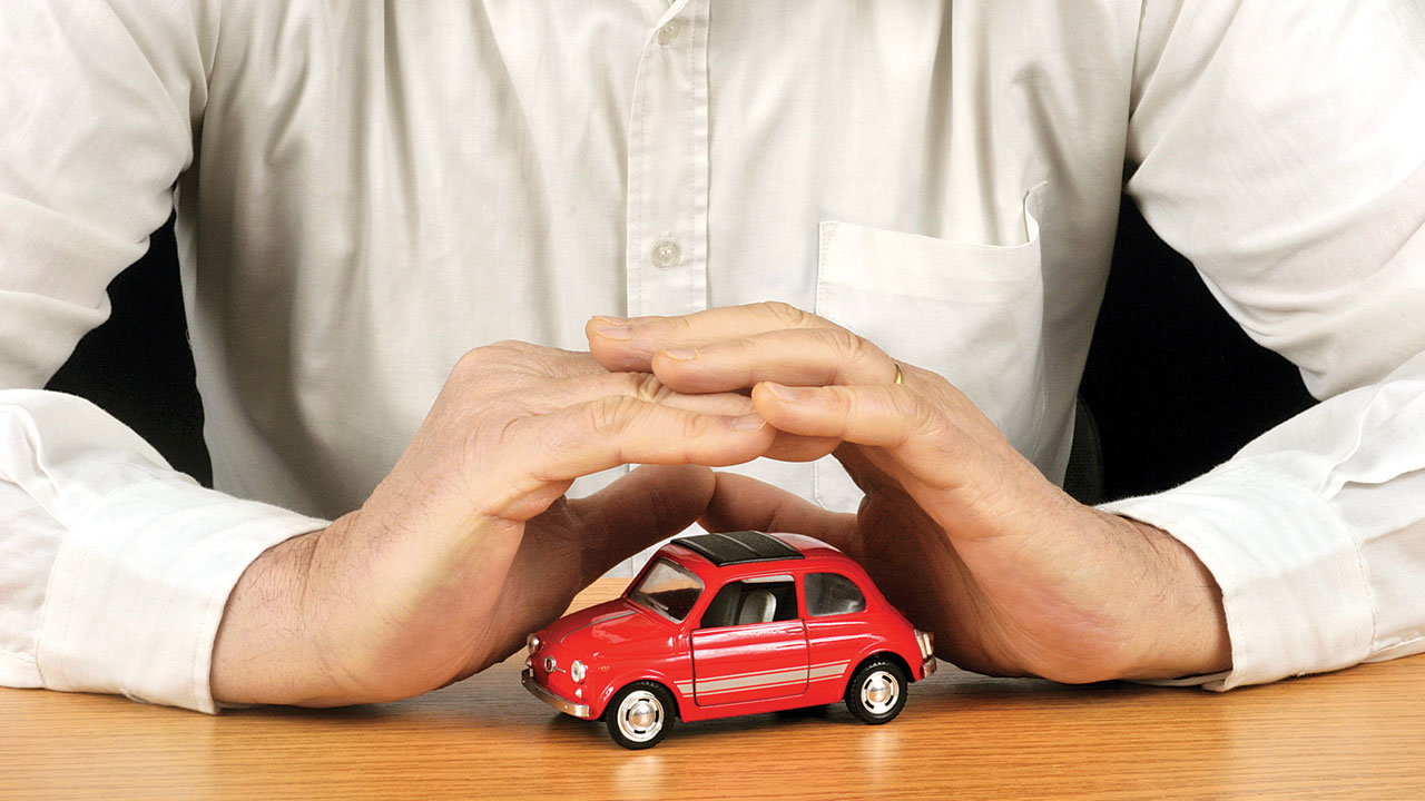 It is not mandatory to buy car insurance from auto dealer