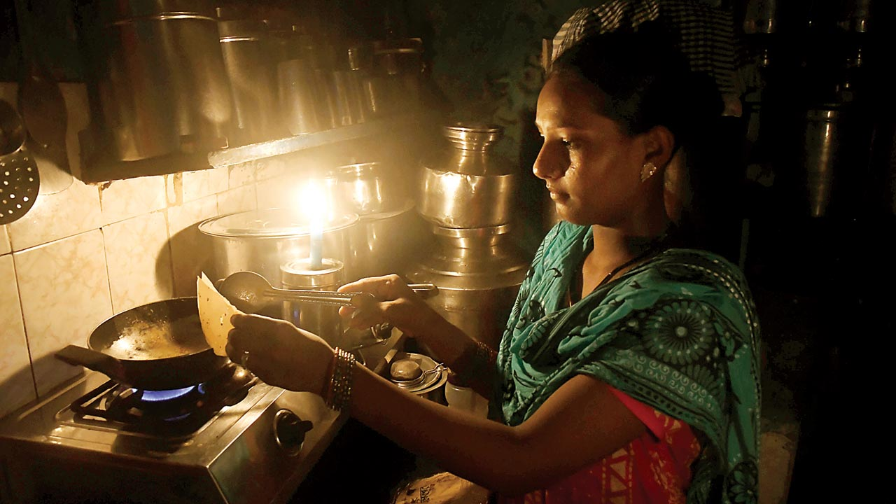 Power outages across South Mumbai irks dwellers, gets restored in 2 hours
