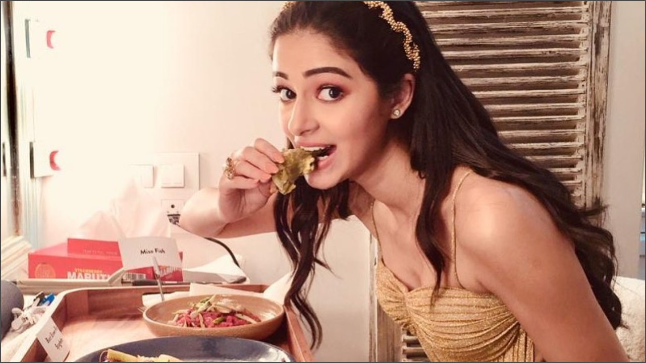 'Student of the Year 2' actress Ananya Panday is obsessed with Butter Chicken and Cheese Naan!