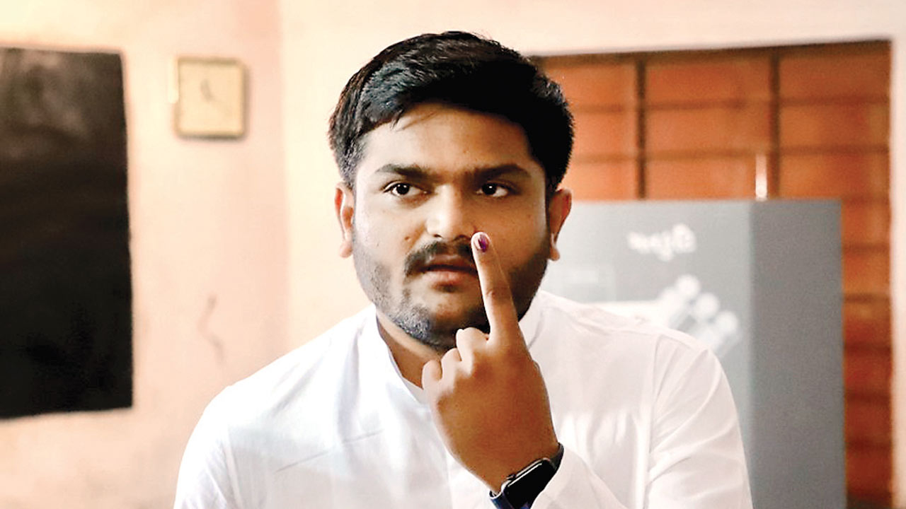 Gujarat: Hardik Patel flip-flops on quota stir