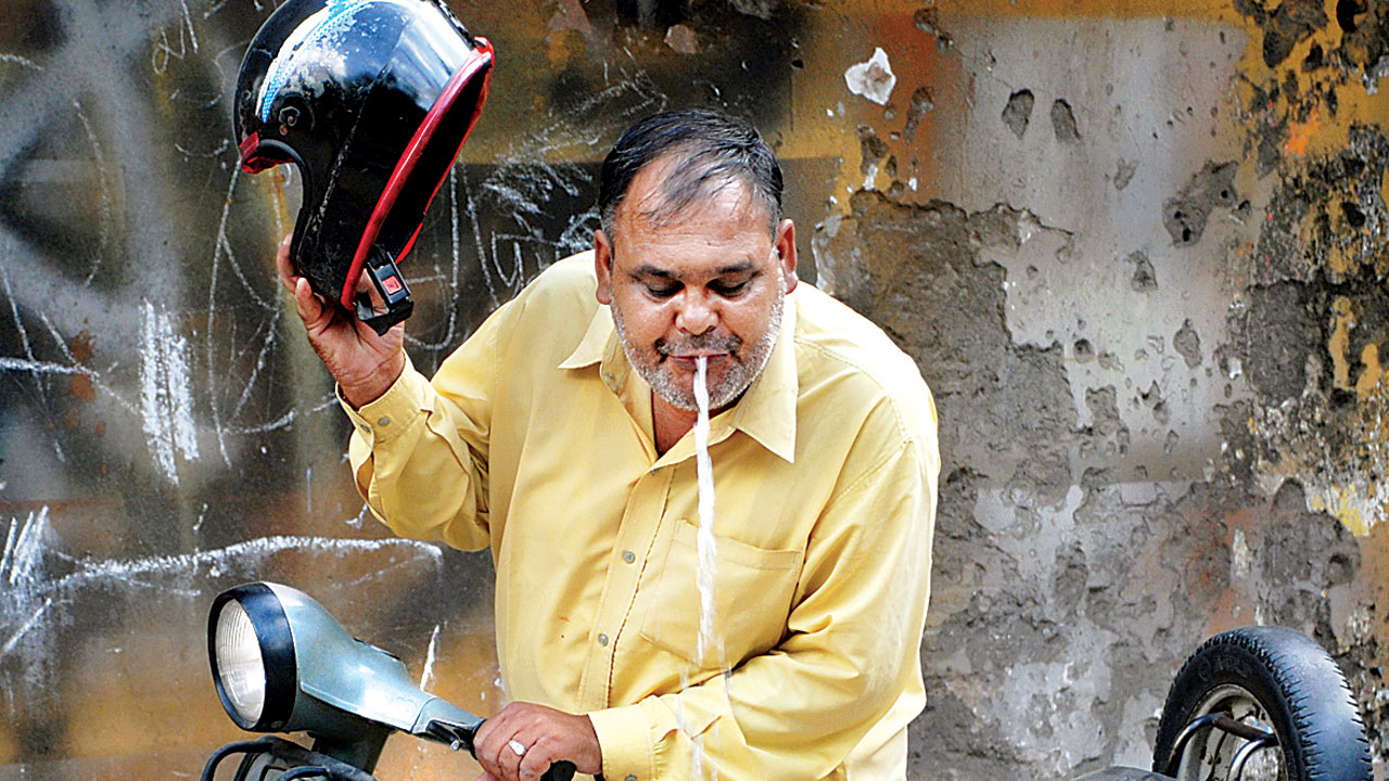 Thane doctors lead drive to stop spitting in public